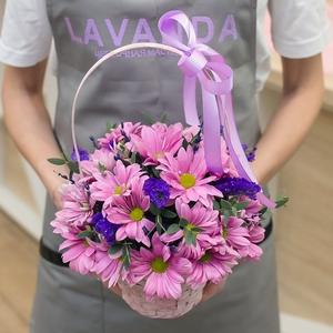 Цветочная корзинка со статицей