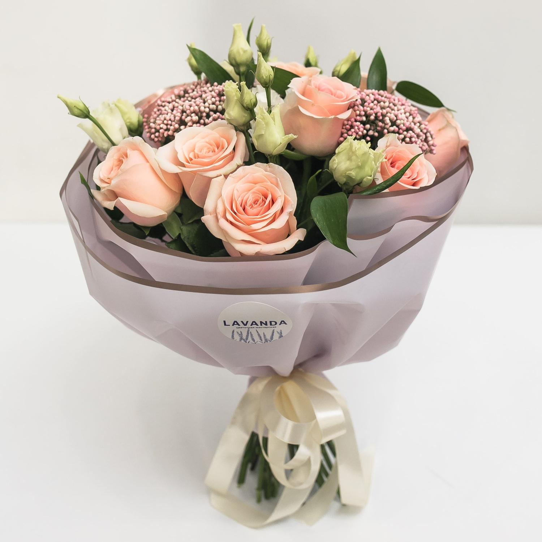 Розовое облако роз, озотамнуса и эустом