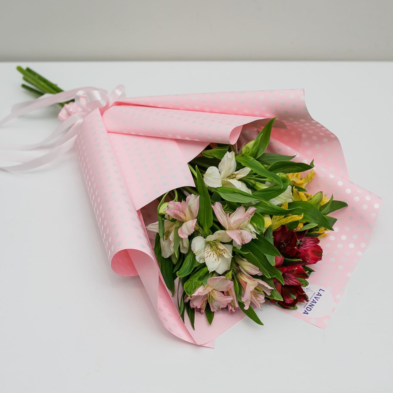 5 альстромерий в розовом оформлении