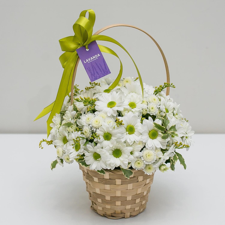 Цветочная корзинка с ромашками