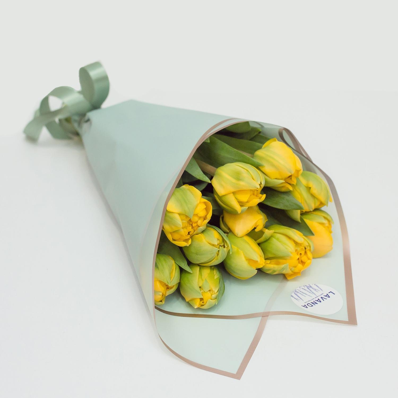 Букет желтых пионовидных тюльпанов