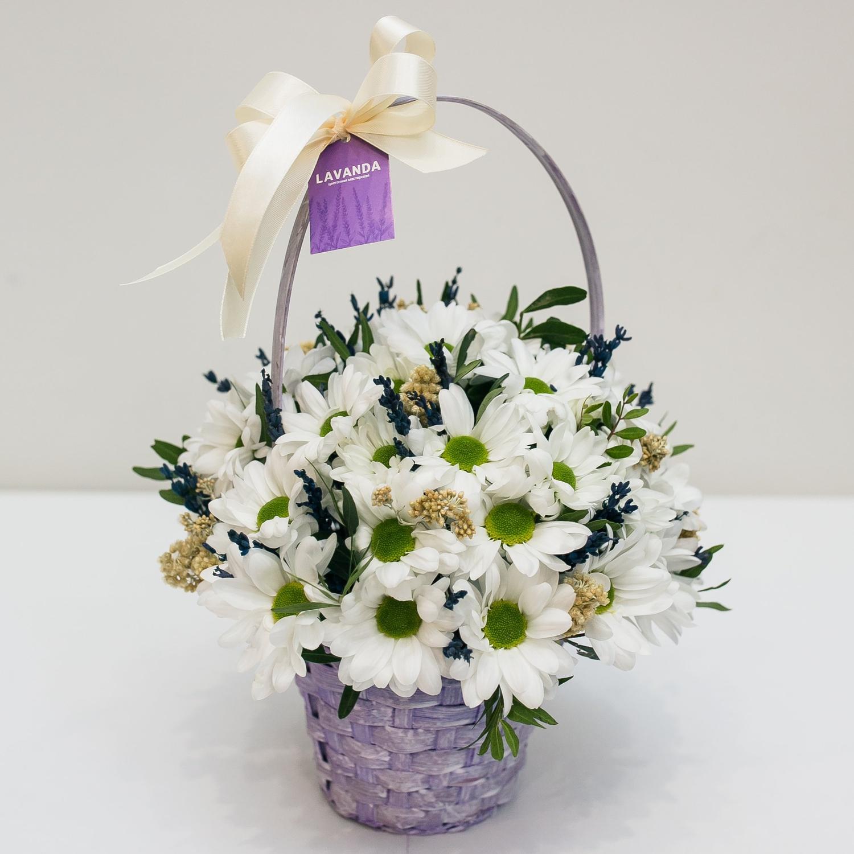 Цветочная корзинка с лавандой