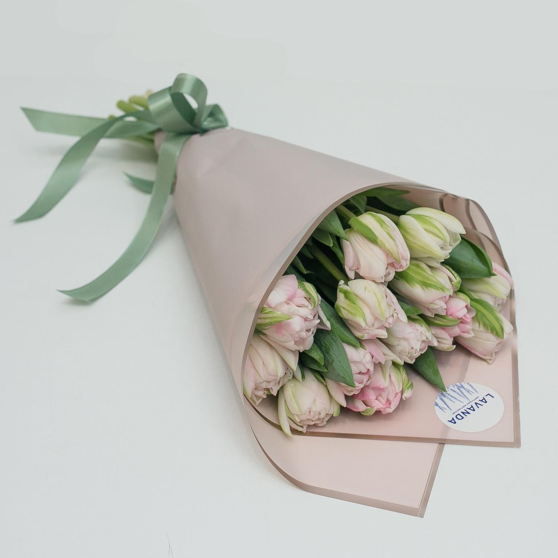 Букет нежных пионовидных тюльпанов