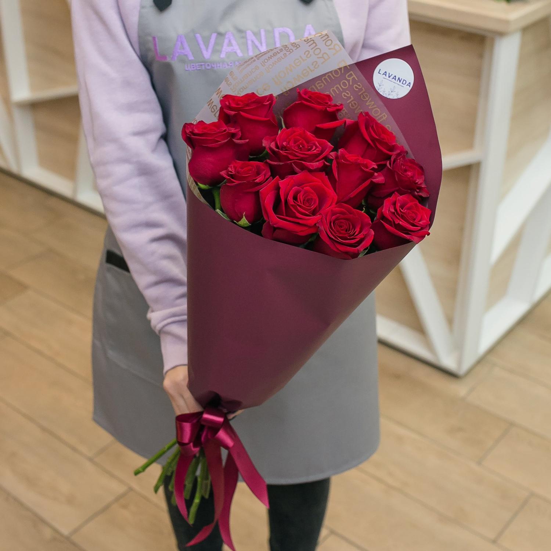 11 красных Эквадорских роз 50 см.