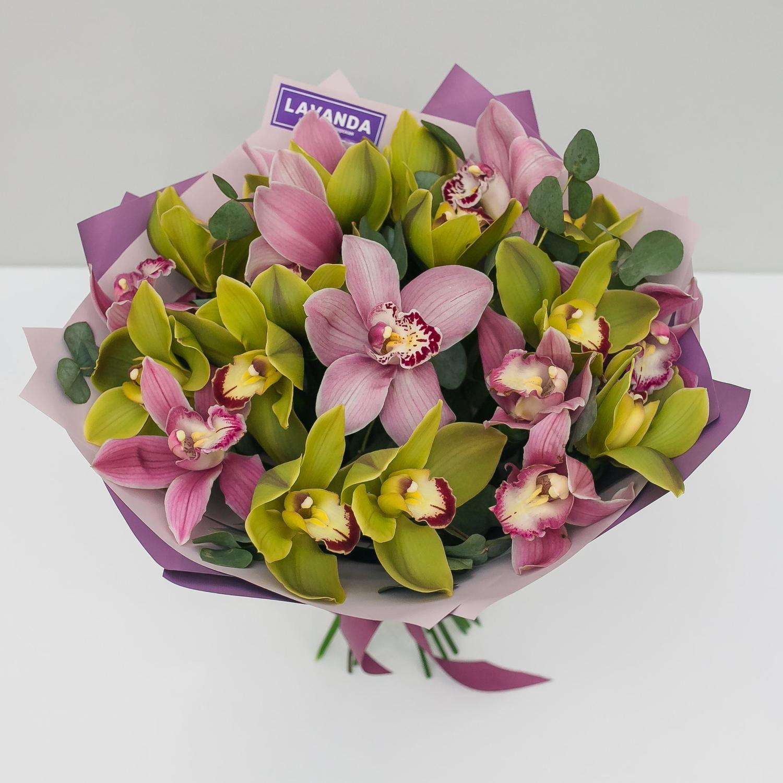 Букет королевских орхидей